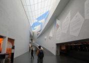 W Muzeum Sztuki Wspólczesnej Kiasma w Helsinkach