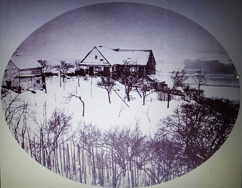 August Kotzsch, Dom własny w Loschwitz zimą, druga połowa XIX wieku, fotografia, https://commons.wikimedia.org/wiki/Category:Photographs_of_Loschwitz_by_August_Kotzsch – dostęp 13.05.2020.