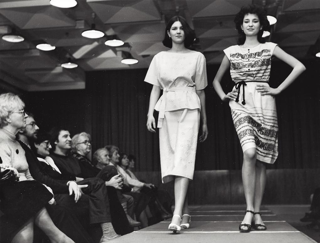 Jeden z pokazów mody ZPO DANA na sezon letni dla kontrahentów krajowych / One of DANA fashion shows for the summer season for domestic contractors.