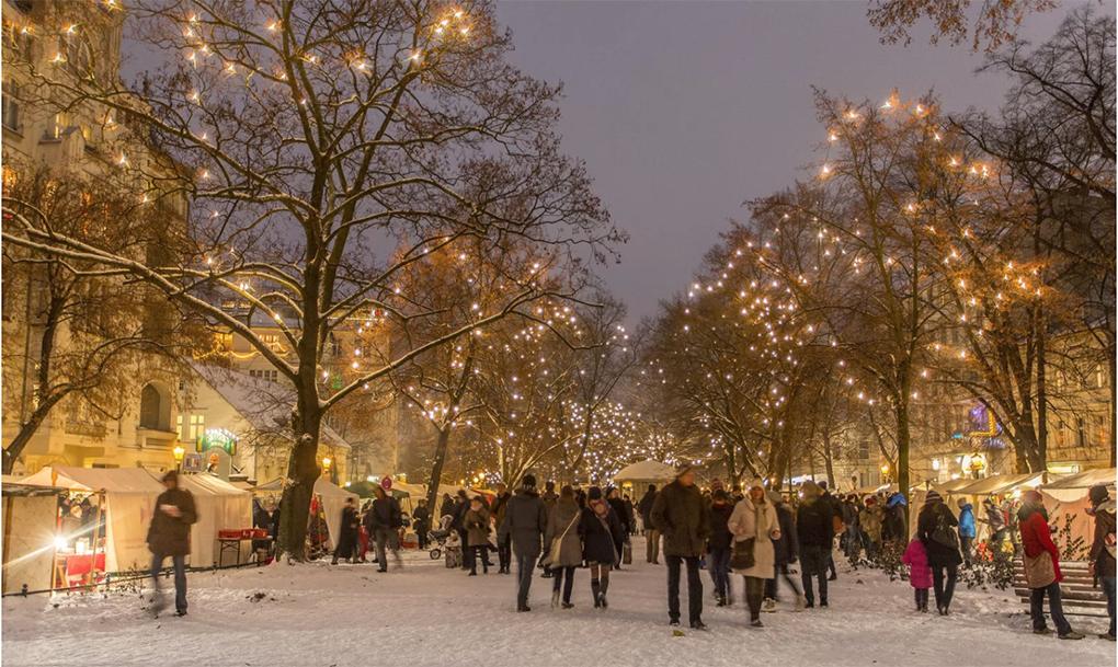 Jarmark Bożonarodzeniowy na ulicach Rixdorf, zdjęcie w: https://www.google.com/search?q=rixdorf+berlin (23.12.2020)