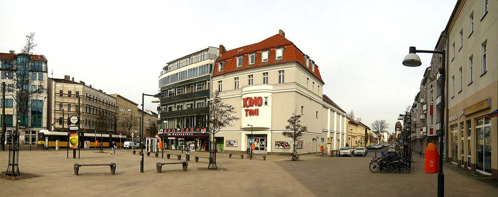 M.A. Arnold, Perspektywa Antonplatz https://de.wikipedia.org/wiki/Berlin-Weißensee (dostęp 10.12.2020)