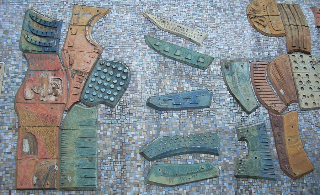 Detale mozaiki na budynku ZPO DANA w Szczecinie. Fot. Krzysztof Majorek (z archiwum Jarosław Eysymonta)